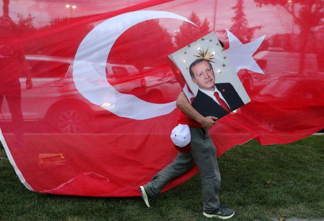 Νέος πονοκέφαλος για Ερντογάν: Ξεχρεώστε μας αλλιώς αποχωρούμε, λένε οι φαρμακευτικές εταιρείες των ΗΠΑ