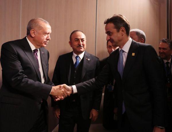 Τα μηνύματα από Αθήνα και Άγκυρα λίγο πριν την επανεκκίνηση των διερευνητικών επαφών