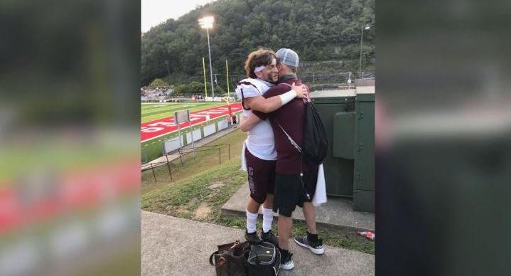 Εικόνα γροθιά στο στομάχι: Είδε τον γιο του να παίζει ποδόσφαιρο λίγο πριν πεθάνει