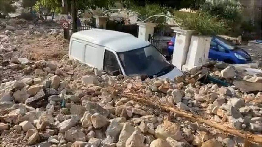 Ιανός: Θρίλερ με τους δυο αγνοούμενους στην Καρδίτσα – Εικόνες αποκάλυψης στην Κεφαλονιά, πλημμύρες στην Κρήτη