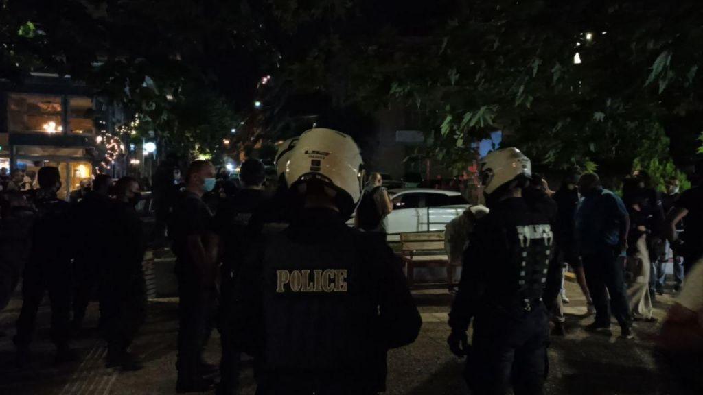 Κοροναϊος : Εκκένωση πλατείας στο Παγκράτι (video και φωτο)