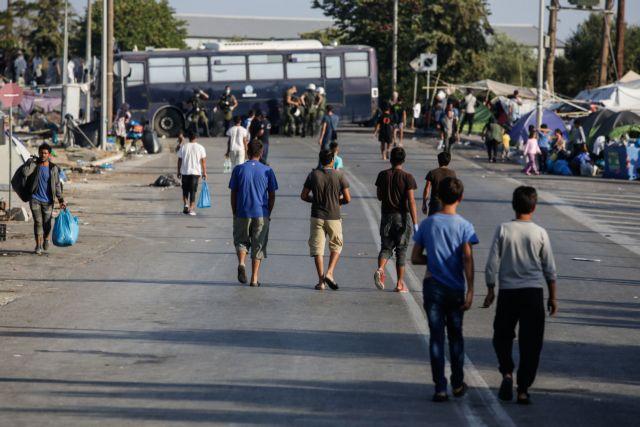 Τον ξυλοδαρμό ανήλικων προσφύγων από αστυνομικούς στη Σάμο καταγγέλλει ο Σπίρτζης