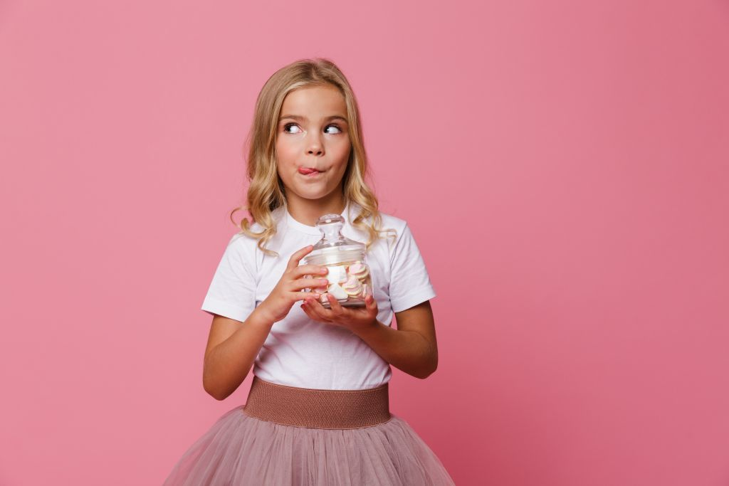 Tips και συμβουλές για να τρώει το παιδί λιγότερα γλυκά
