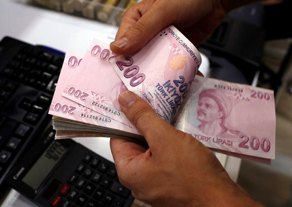 Γιατί η Ευρώπη φοβάται την κατάρρευση της τουρκικής λίρας – Μπούμερανγκ τυχόν κυρώσεις