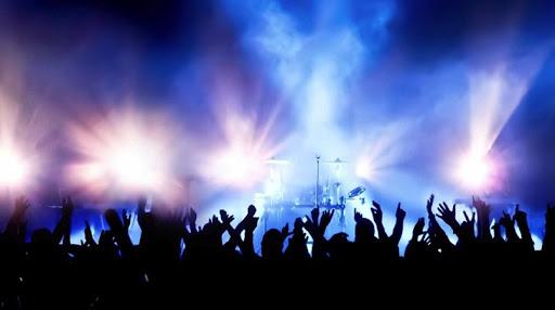 Κοροναϊός : Τα νέα μέτρα για συναυλίες, κινηματογράφους, θέατρα στην Αττική