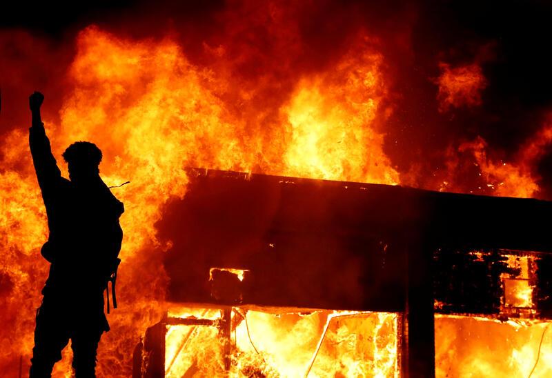 ΗΠΑ : Ο Μπαρ ζητά να διώκονται οι βίαιοι διαδηλωτές για στάση κατά τη κυβέρνησης