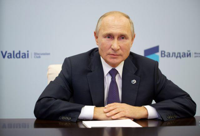 Πούτιν : Αν είχε δηλητηριαστεί ο Ναβάλνι δεν θα τον αφήναμε να φύγει εκτός Ρωσίας