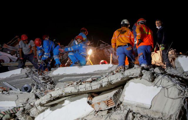 Σεισμός – Σμύρνη : Δραματικές ώρες για τους Έλληνες – Τι λένε στην κάμερα του MEGA