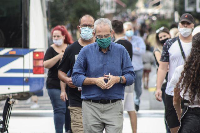 Κοροναϊός : Ανοικτό το λιανεμπόριο ακόμη σε «κόκκινες» περιοχές, λέει ο Πέτσας