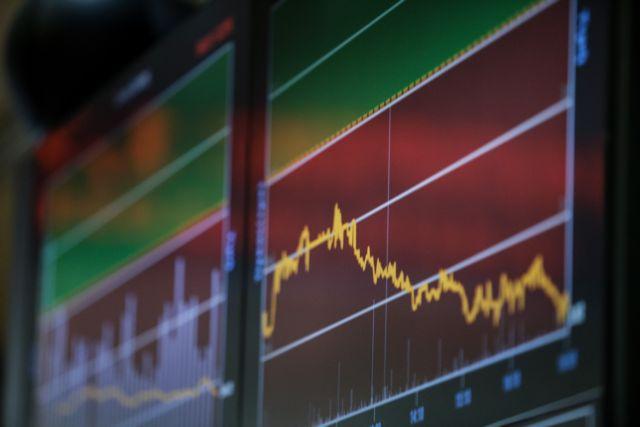 Χρηματιστήριο : Βουτιά 2,67%, βαριές απώλειες για τις τράπεζες