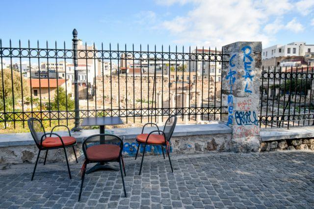 Κοροναϊός: Μεταμεσονύχτιες συσκέψεις και διαφωνίες – Ποια μέτρα πρότειναν οι λοιμωξιολόγοι στον πρωθυπουργό