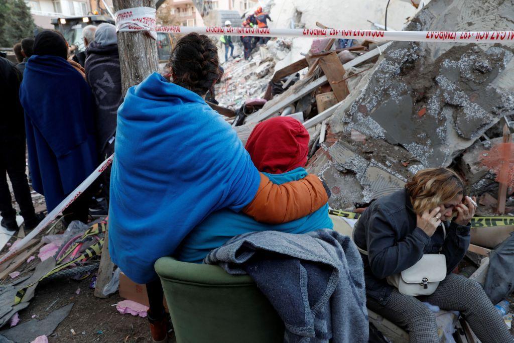 Σεισμός : Στους 26 οι νεκροί στη Σμύρνη από τον φονικό εγκέλαδο