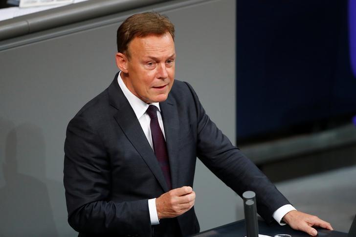 Γερμανία : Πέθανε ο αντιπρόεδρος της βουλής Τόμας Όπερμαν – Κατέρρευσε μέσα σε τηλεοπτικό στούντιο