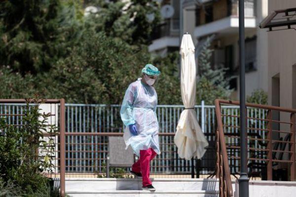 Κοροναϊός – Πέτσας : Τετραψήφιος αριθμός κρουσμάτων δεν οδηγεί αυτόματα σε νέα μέτρα