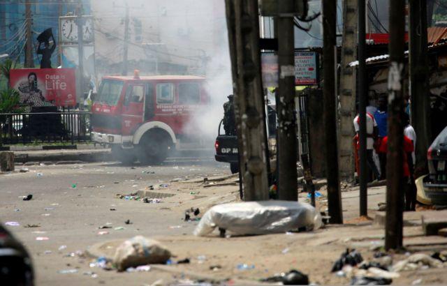 Αιματοχυσία στη Νιγηρία : Μιλούν τώρα για 51 νεκρούς διαδηλωτές και 18 αστυνομικούς, στρατιώτες