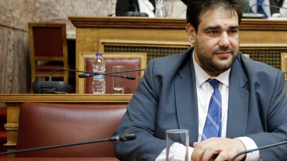 Λιβάνιος για τις κατηγορίες κατά συμβούλου του: «Μου ήταν άγνωστο το παρελθόν του» | in.gr