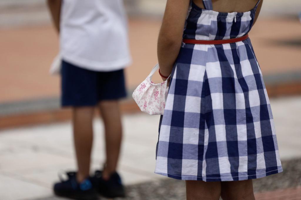 Κρήτη: Γονείς αρνητές μάσκας δεν αφήνουν τα παιδιά τους να πάνε σχολείο