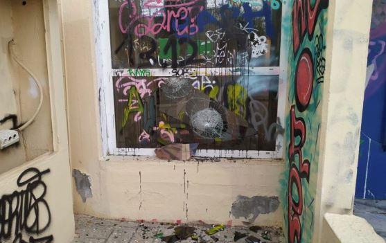 Άγνωστοι προκάλεσαν ζημιές σε σχολικές μονάδες της Βάρης