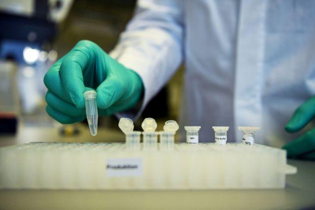 Κοροναϊός : Τι συμβαίνει με τις μεταλλάξεις του ιού – Μπορούν να απειλήσουν τα εμβόλια;