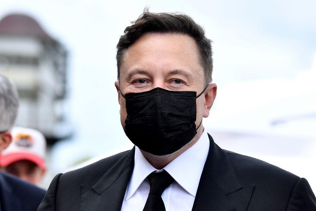 Ο Έλον Μασκ δεύτερος πλουσιότερος άνθρωπος του κόσμου