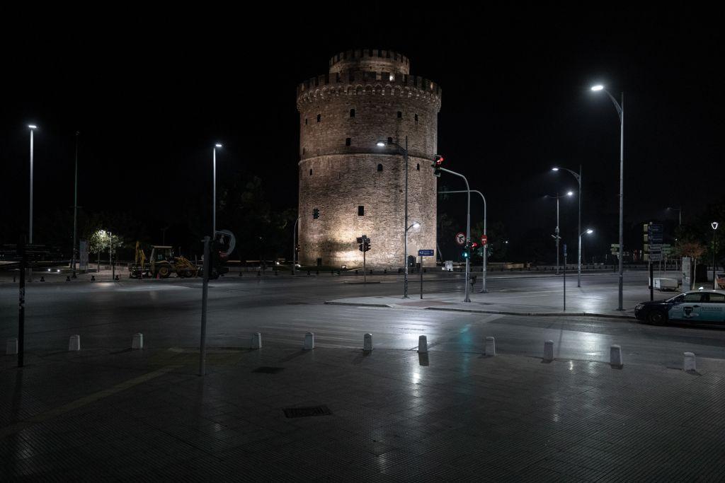 Κοροναϊός : Συναγερμός για τεράστια διασπορά – Εννιά περιοχές με τριψήφιο αριθμό κρουσμάτων