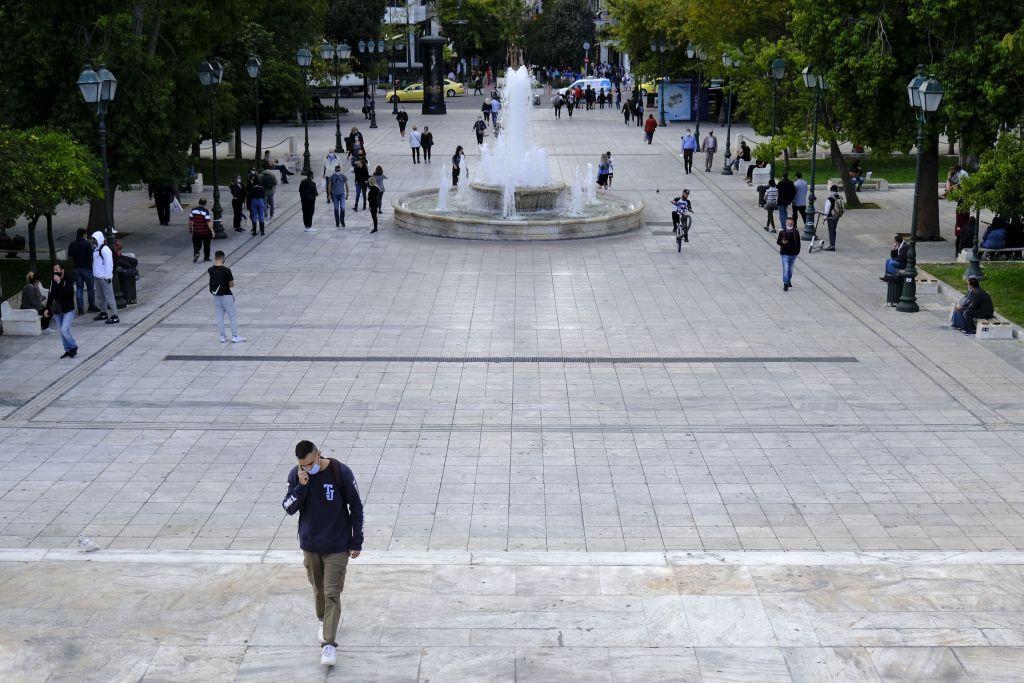Κοροναϊός : Με κακούς οιωνούς μπήκε ο Νοέμβριος – Στα 40.000 τα κρούσματα – Στοίχημα η απόδοση των μέτρων