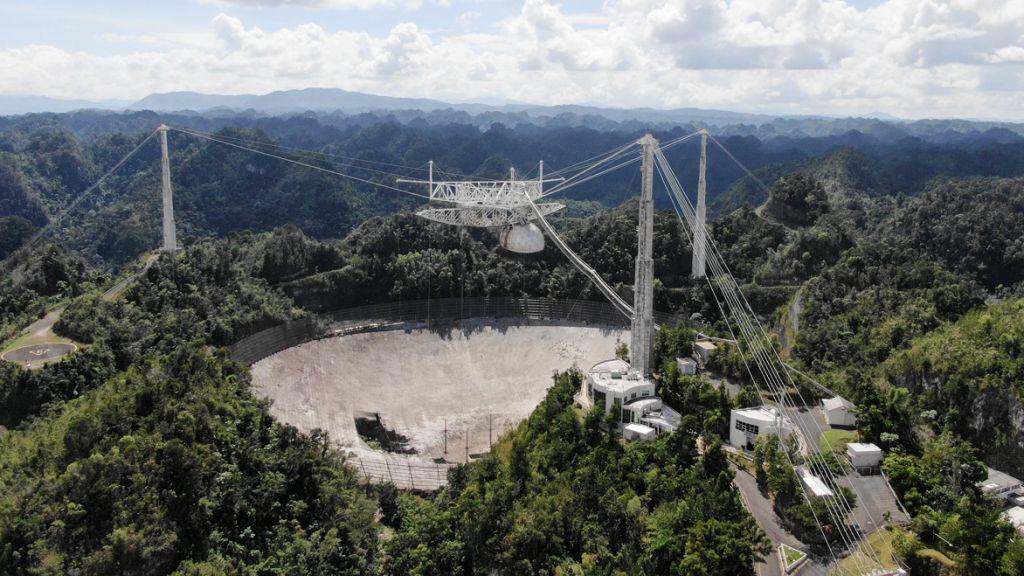 Προς κατεδάφιση το θρυλικό τηλεσκόπιο του Αρεσίμπο