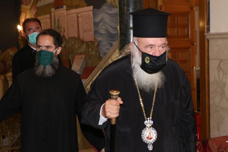 Ιερώνυμος : Ψάχνουν να βρουν πως κόλλησε ο αρχιεπίσκοπος – Το παρασκήνιο της εισαγωγής του στον Ευαγγελισμό