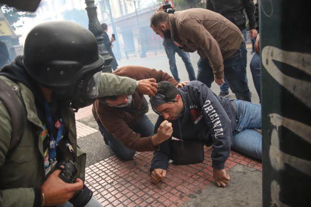 Βουλή: «Πόλεμος» για τα επεισόδια στο κέντρο της Αθήνας