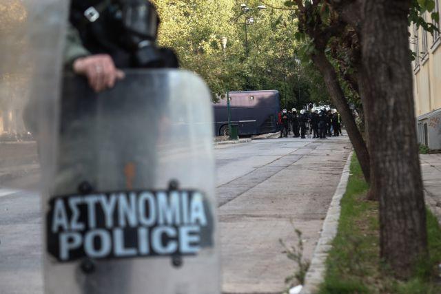 Πολυτεχνείο : Δρακόντεια μέτρα στην Αθήνα για την επέτειο - 5.000  αστυνομικοί στους δρόμους | in.gr