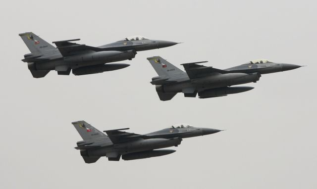 Προκλήσεις δίχως τέλος – Υπερπτήσεις τουρκικών F-16 σε Παναγιά και Οινούσσες