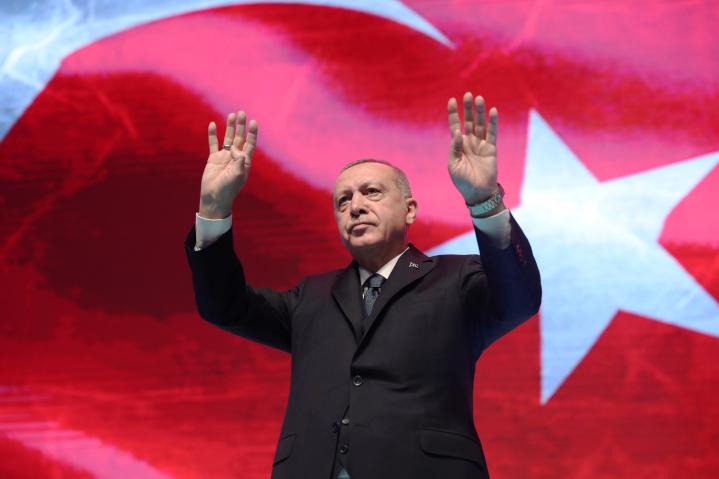 Προκλητικός ξανά ο Ερντογάν: «Ο Μητσοτάκης αποφεύγει το τραπέζι των διαπραγματεύσεων»