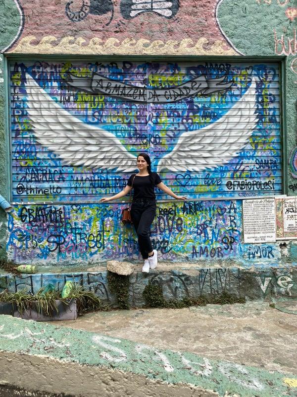 Αεροπορικά ταξίδια : Μια αεροσυνοδός μιλά για τη δουλειά της στον καιρό του κοροναϊού