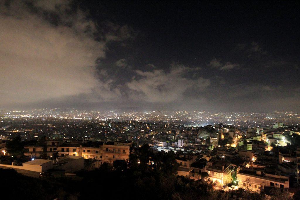 Γιατί η αιθαλομίχλη γίνεται πιο τοξική τις νύχτες