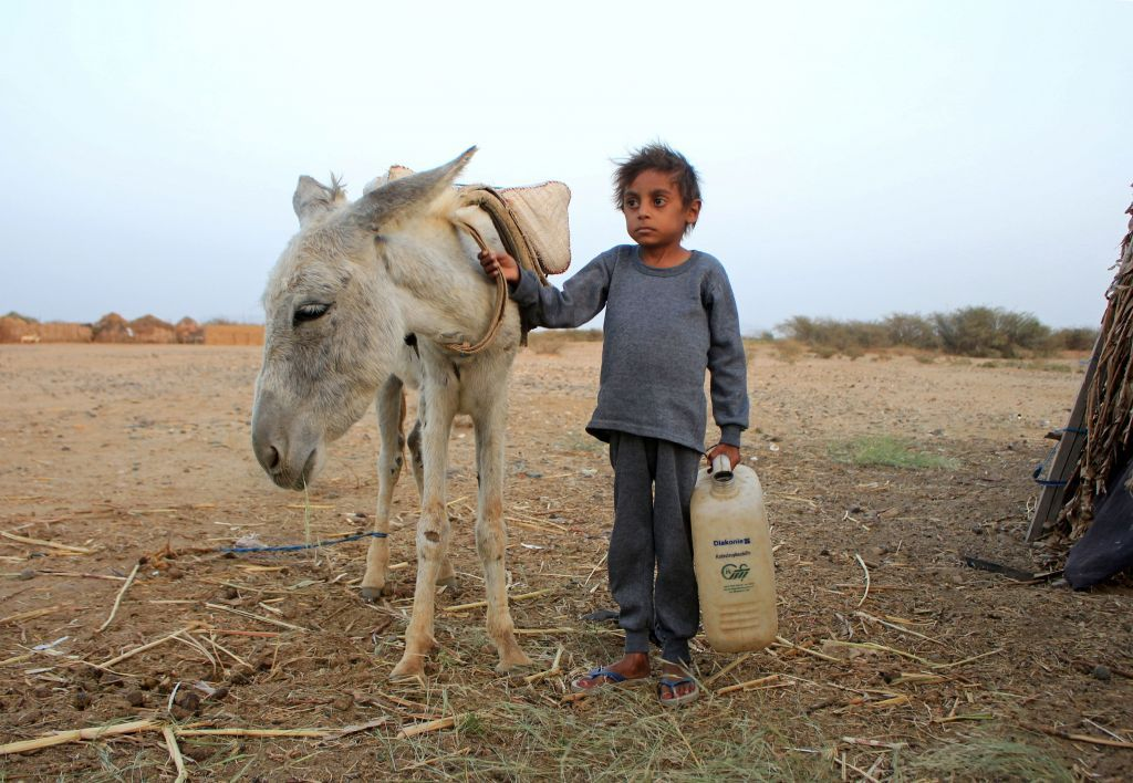 Εκατοντάδες χιλιάδες παιδιά θα πεθάνουν από πείνα λόγω της πανδημίας