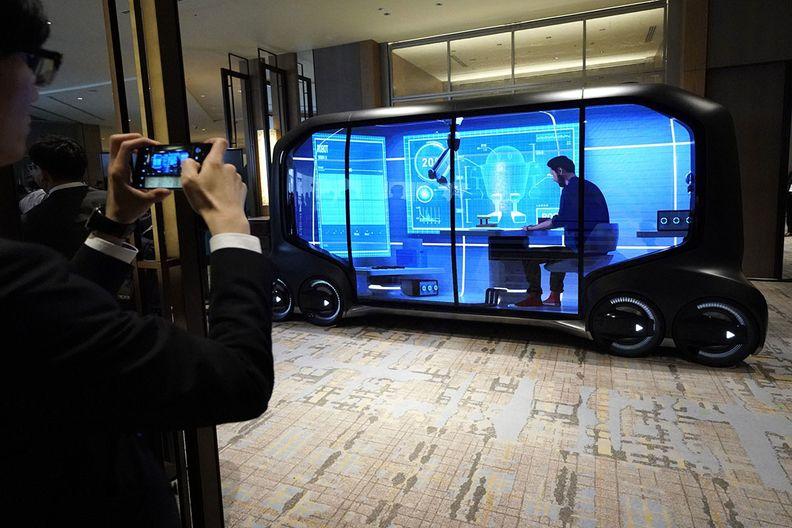 Αυτόνομο όχημα της Toyota θα λειτουργεί ως κατάστημα ή γραφείο με ρόδες