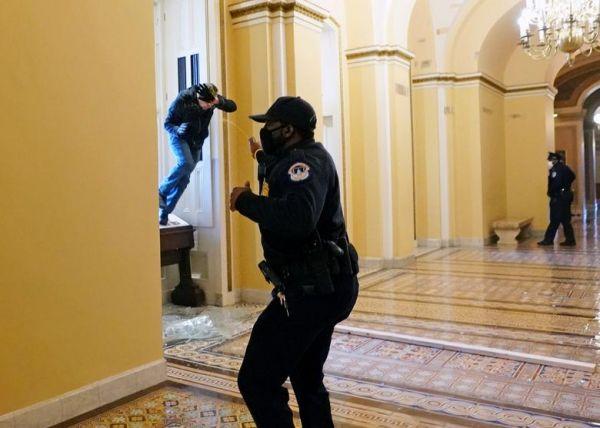 Σκηνικό… πραξικοπήματος στις ΗΠΑ – Επεμβαίνει η Εθνική Φρουρά για να σταματήσει το χάος (pics+videos)