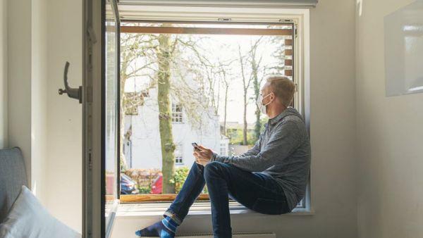 Κοροναϊός : Πώς να βελτιώσετε τον αερισμό στο σπίτι κατά τη διάρκεια της πανδημίας