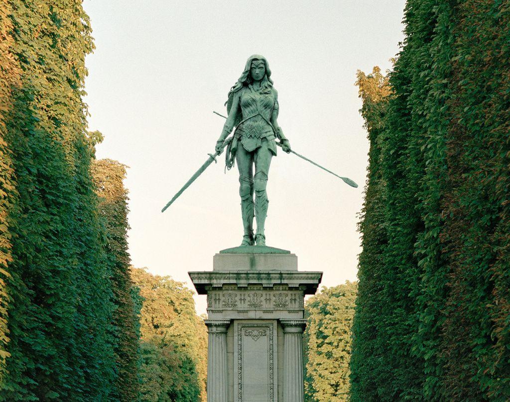 Benoit Lapray : Ο φωτογράφος που άλλαξε τα μνημεία του Παρισιού με ήρωες  της ποπ κουλτούρας | in.gr