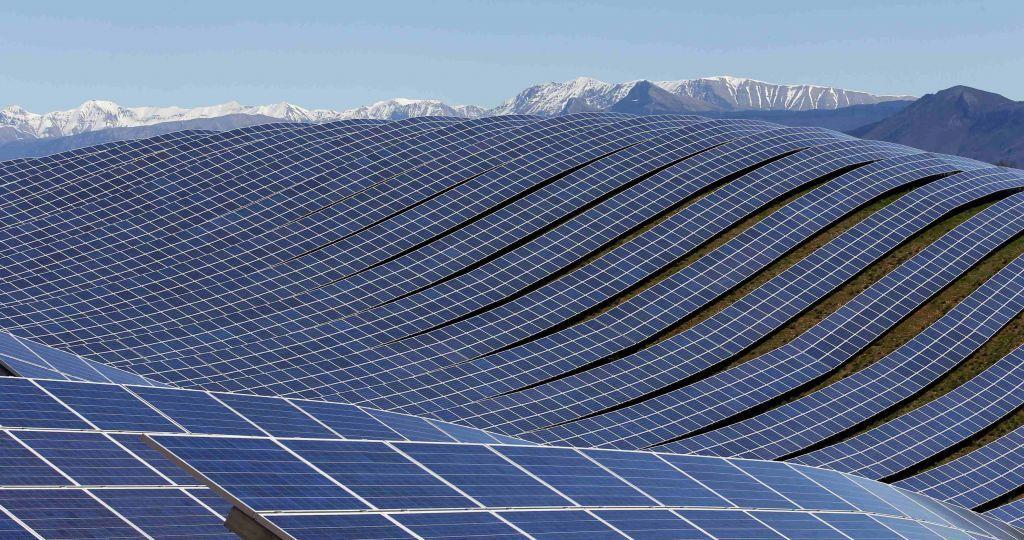Η Ισπανία επενδύει δυναμικά στον ήλιο με το μεγαλύτερο φωτοβολταϊκό έργο στην Ευρώπη