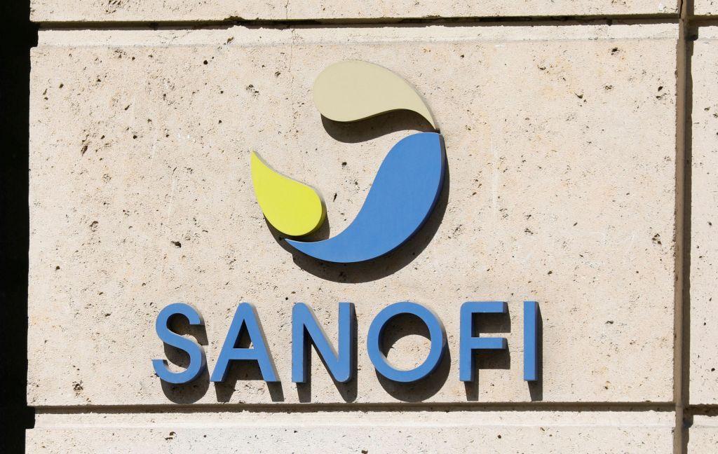 Η Sanofi τείνει χείρα βοηθείας στη Pfizer αλλά δεν εγκαταλείπει το δικό της εμβόλιο