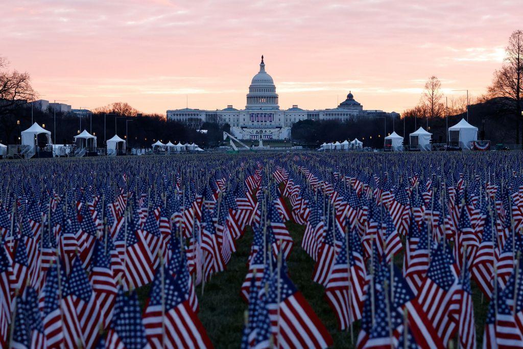 ΗΠΑ : «Φρούριο» η Ουάσινγκτον για την ορκωμοσία Μπάιντεν – Εντυπωσιακές εικόνες από τις προετοιμασίες