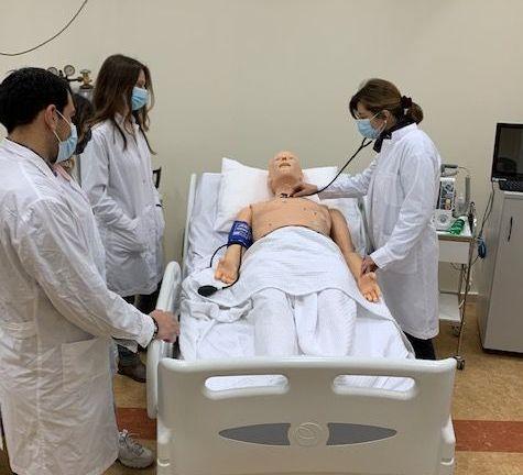 Ένα «σχολείο» κλινικής πράξης μέσα στην Ιατρική Αθηνών