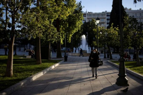 Κοροναϊός : Στη δίνη της πανδημίας η Αττική - Τι τρομάζει τους ειδικούς