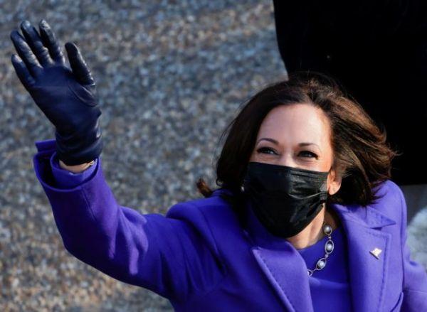 ΗΠΑ : Η Καμάλα Χάρις όρκισε τους τρεις Δημοκρατικούς Γερουσιαστές