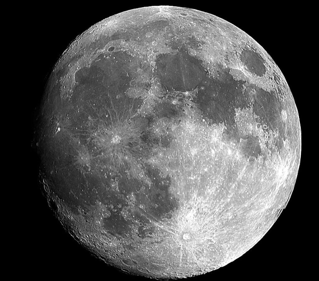 Σελήνη : Η NASA μας δείχνει πώς είναι το φεγγάρι από όλες τις πλευρές