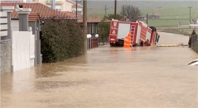 Εβρος : Ανεβαίνουν επικίνδυνα τα νερά στο Πέταλο Πέπλου