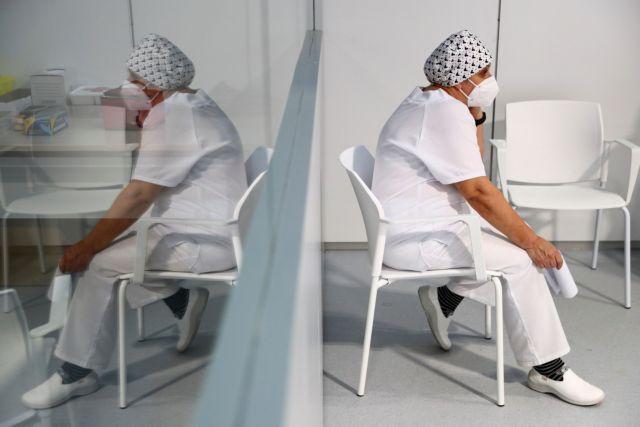 Κοροναϊός : Αυξήθηκαν οι εισαγωγές στα νοσοκομεία – Πιέζεται το ΕΣΥ
