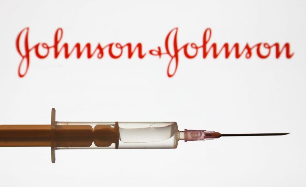 Κοροναϊός : H Johnson & Johnson κατέθεσε αίτημα στον ΕΜΑ για την έγκριση του εμβολίου της