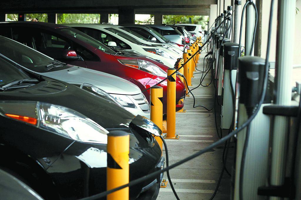 Η ΕΕ θα χρειαστεί επενδύσεις 80 δισ. ευρώ για φορτιστές αυτοκινήτων